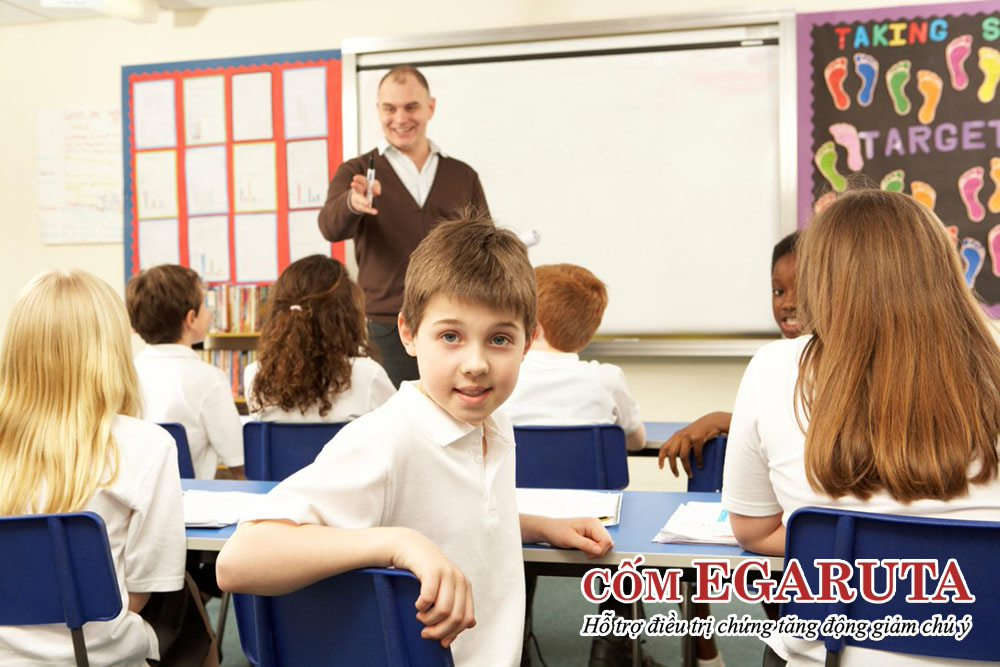 Trẻ tăng động thường gặp nhiều khó khăn trong học tập